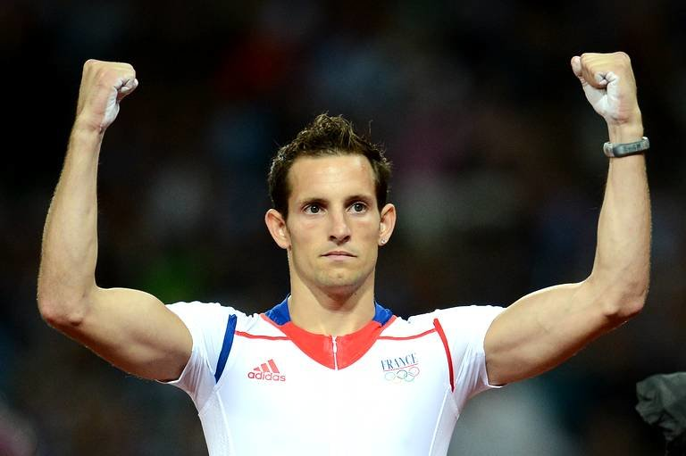 france-renaud-lavillenie-celebrates-after-648d-diaporama