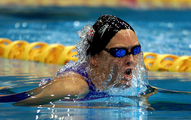22 Oct 2000:    Trischa Zorn of USA in action whilst winning a silver medal in the Womens 100m Breaststroke SB12 Final at the Sydney International Aquatic Centre during the Sydney 2000 Paralympic Games, Sydney, Australia. DIGITAL IMAGE. Mandatory Credit:Scott Barbour/ALLSPORT